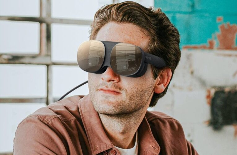 HTC Vive Flow Lightweight VR Glasses Launched: Price, Features